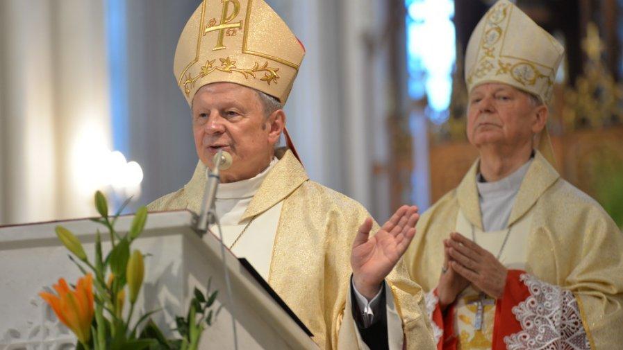 Biskup Henryk Tomasik i Biskup Adam Odzimek dziękowali dziś za 50 lat kapłaństwa.