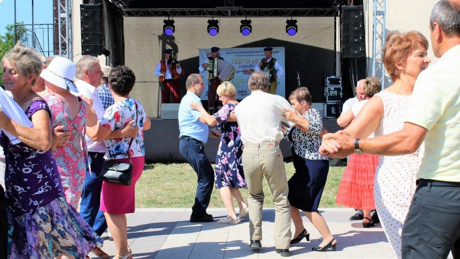 Piąty Festiwal Kapel Ludowych i Folkowych odbył się w niedzielę 30 czerwca Bielowicach. Organizatorami przeglądu byli: Stowarzyszenie Twórców i Przyjaciół Kultury Ludowej w Bielowicach, Powiat Opoczyński i Gmina Opoczno.