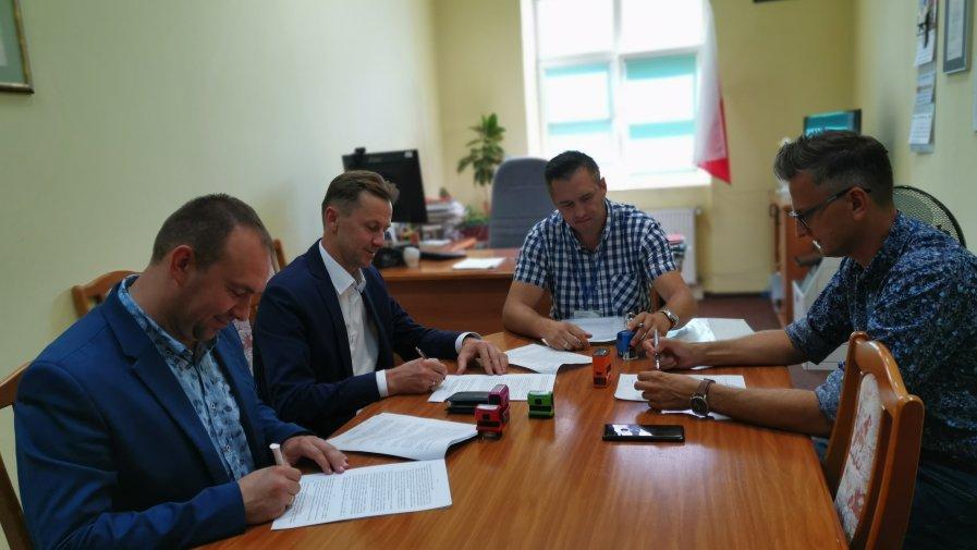 Przedmiotem tej umowy jest 50% dofinansowanie ze środków PFRON na utworzenie miejsc pracy dla oso niepełnosprawnych z terenu Powiatu Opoczyńskiego w 2019 roku.