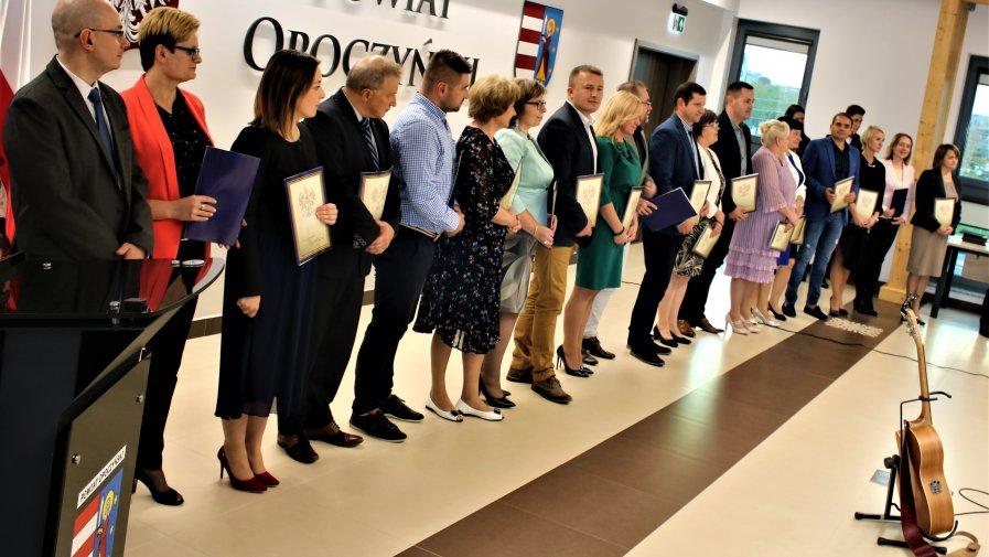 W Starostwie Powiatowym w dniu 10 października 2019 roku miały miejsce uroczyste obchody Dnia Edukacji Narodowej.