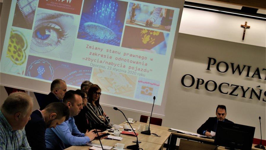 Tematem dyskusji była potrzeba przeprowadzenia szkolenia z zakresu wprowadzania nowej funkcjonalności CEP.