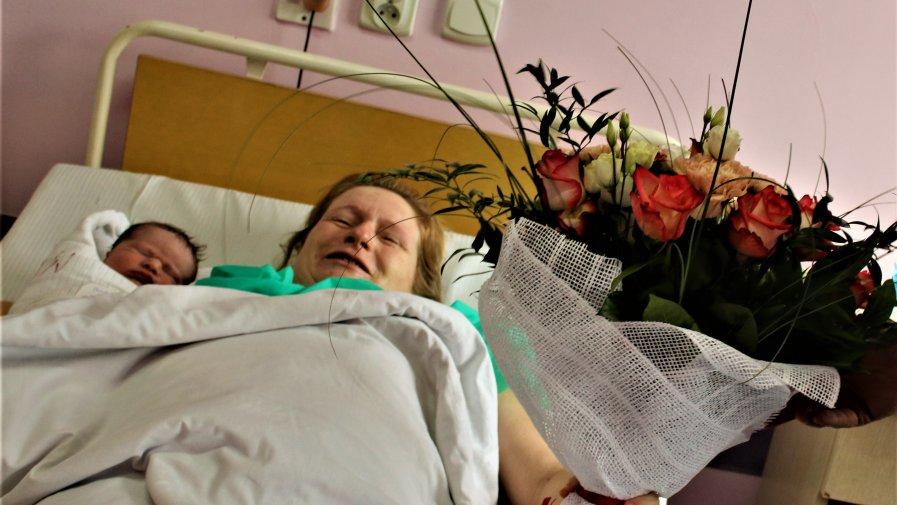 Na wznowionym od poniedziałku oddziale ginekologiczno- położniczym w naszym szpitalu przyszło na świat pierwsze dziecko. Antoś jest zdrowy i waży prawie 3,5 kg.