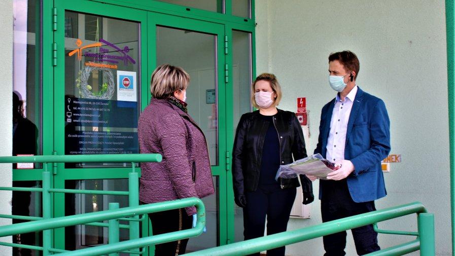 Pomimo tego, że oczy wszystkich skierowane są na działania dotyczące DPS w Drzewicy, nie zapominamy o innych placówkach działających na terenie Powiatu Opoczyńskiego, które również potrzebują pomocy.