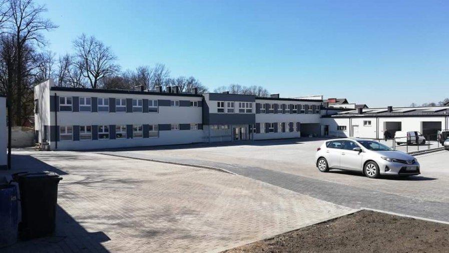 Celem realizacji ww. projektu jest wzrost poziomu kształcenia zawodowego i ustawicznego na terenie powiatu opoczyńskiego .