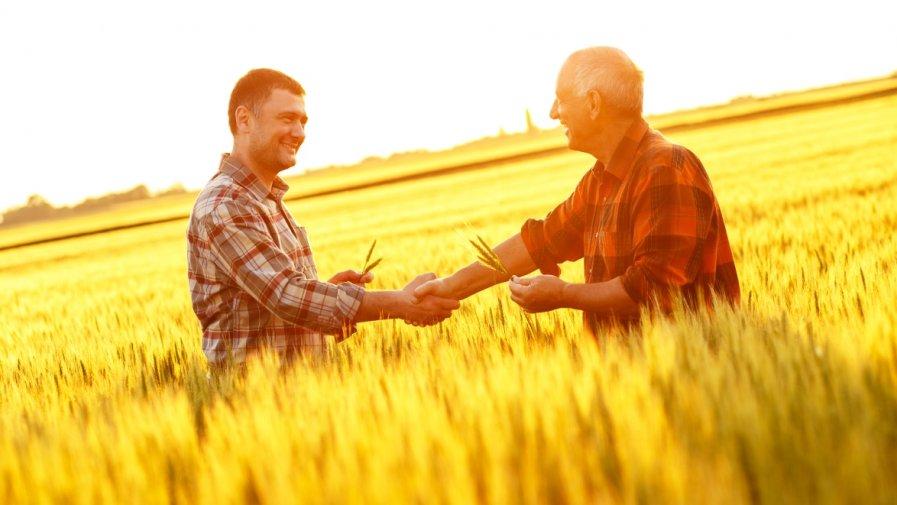 """Od 19 czerwca do 17 sierpnia 2020 r. ARiMR będzie przyjmowała wnioski o wsparcie na """"Tworzenie grup producentów i organizacji producentów"""". To już siódmy nabór tego typu w ramachPROW 2014-2020."""