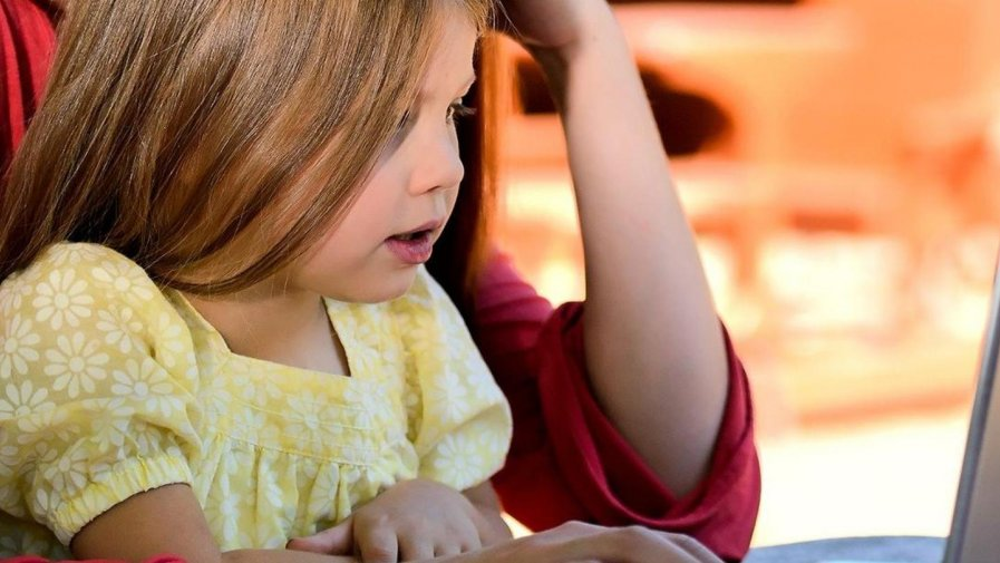 Twoje dziecko zostało objęte kwarantanną lub izolacją? Dowiedz się jak postępować