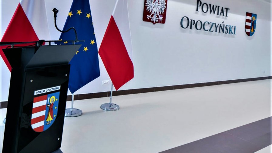 Szanowni Państwo, Starosta Opoczyński Marcin Baranowski wyznaczył dzień 24 grudnia 2020 r. (Wigilia) jako dzień wolny od pracy.