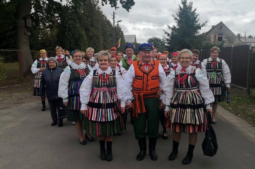 Przedstawiciele Kół Gospodyń Wiejskich z powiatu na uroczystościach w Kobylance